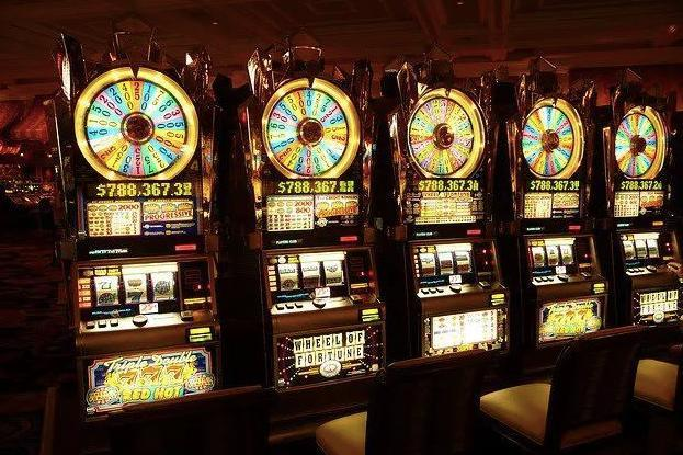 [dry goods] in Las Vegas, how do programmers kill slot machines with bandits algorithm?